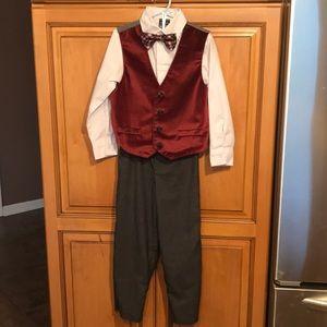 Size 5, Boys 4 piece suit